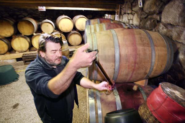 1nicolas_carmarans_aveyron_winethief