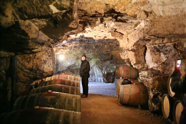 1Pierre_Breton_cask_cellar_near_door