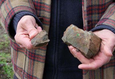 1jo_landron_amphibolite_stones