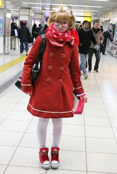 2tokyo_subway_red_girl1