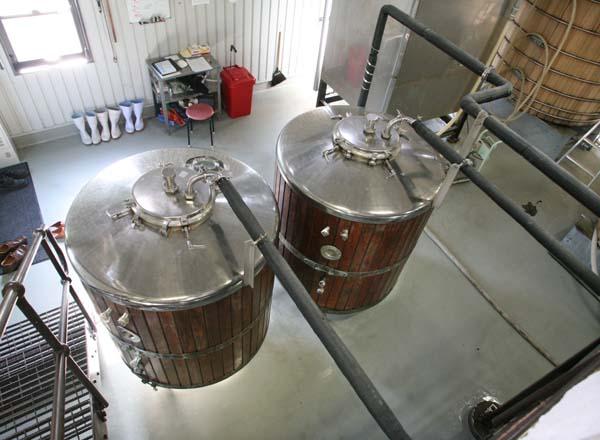1chichibu_sugar_water_tanks