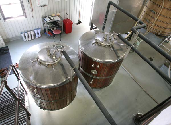 1chichibu_sugar_water_tanks