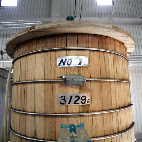 1chichibu_distillery_wash_back_3129_liters