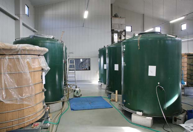 1chichibu_distillery_green_storage _tanks