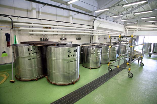 1kenbishi_brewery_stainless_steel_vats