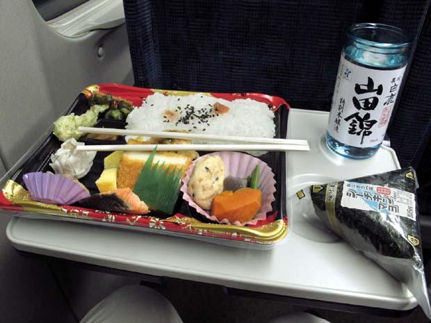1hikari_shinkansen_treat