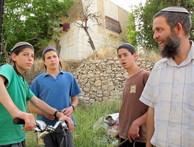 1hebron__tel_rumeida_teenagers