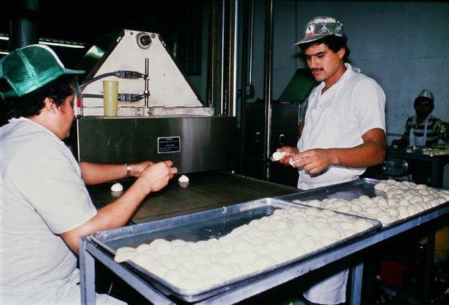 1el_rio_tortillas_white_bowls