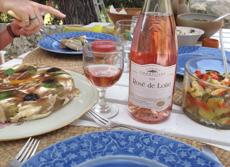 1cheap_rose_wine_rose_de_loire2011
