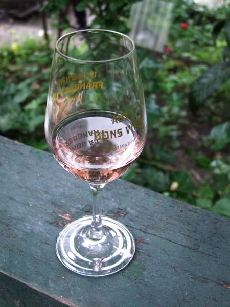 1vacqueyras_et_petanque_rose_glass