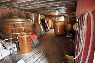 1derain_saint_aubin_chai_fermenters