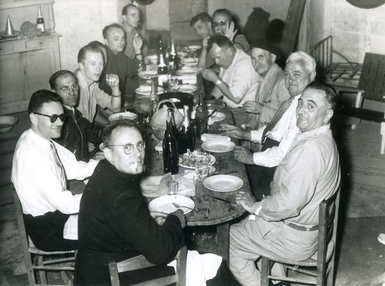 1old_wine_pics_longue_table