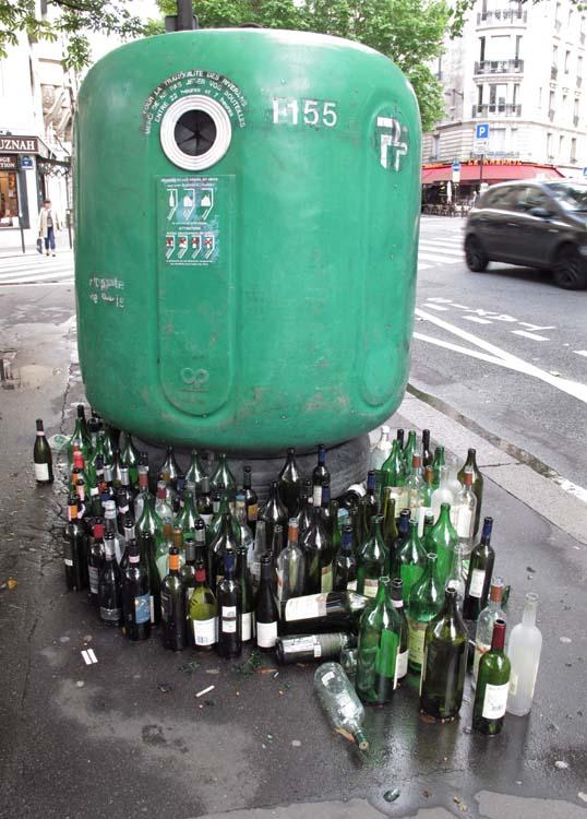 1container_recyclage_bouteilles_verre_paris
