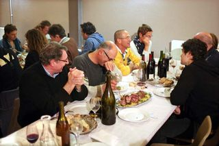 1_10vins_vintners_dinner_table