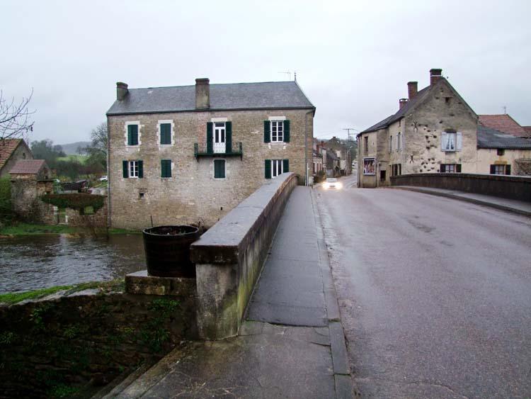 1cadette_saint-pere_pont_cure
