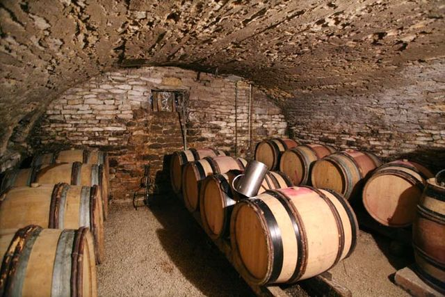 1cadette_bourgogne_barrel_cellar