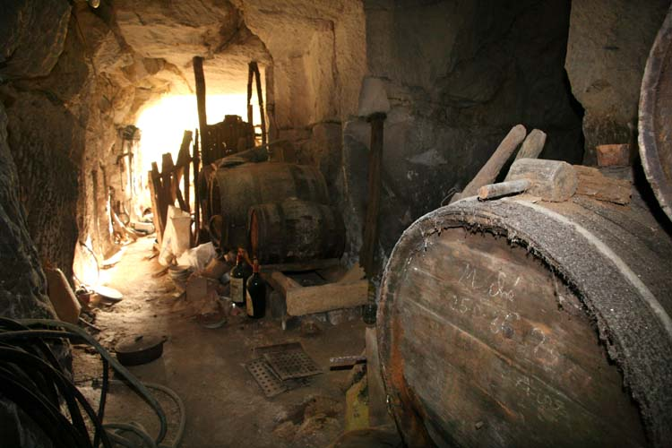 1cave_winery2_meche_25_9_86