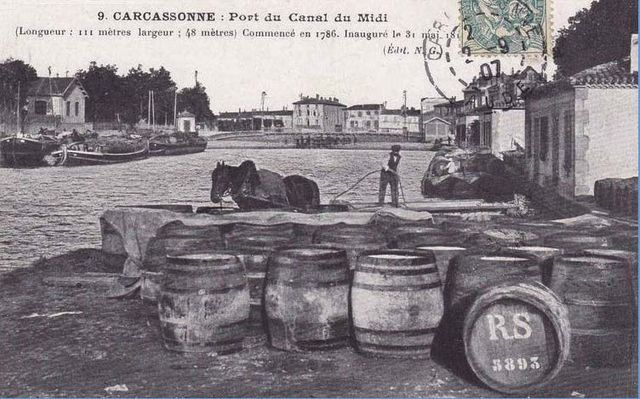1carcassonne1905_futs_attendant_chargement_barge