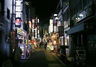 1Takioka3_narrow_street_okachimachi-ueno