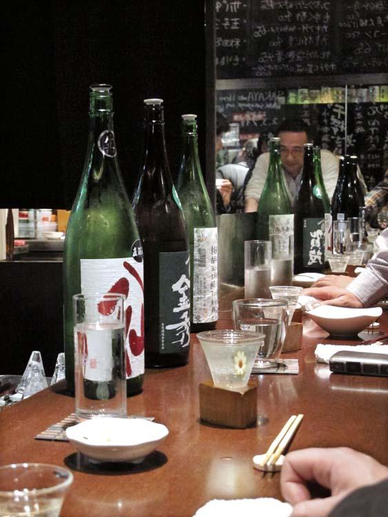 1Moto_tachinomi_Shinjuku_sake_bottles_line