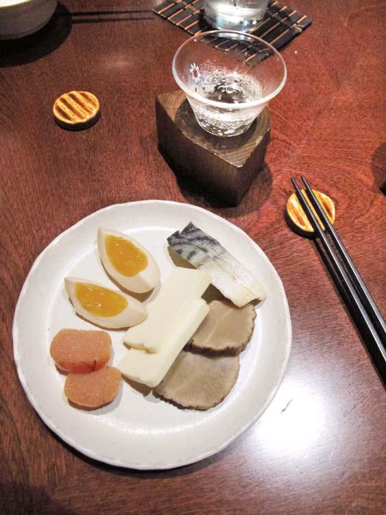 1Moto_tachinomi_Shinjuku_sake_dish_eggs