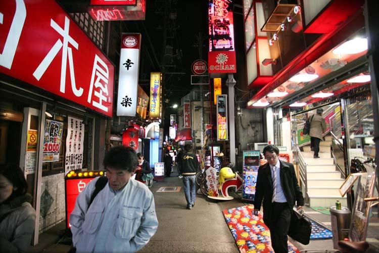 1Kita-Senju_neons_street