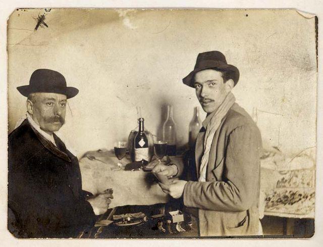 1old_wine_pics_joueurs_de_cartes