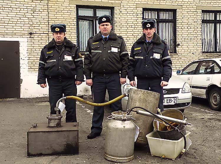1bielorussia_samogon_police_trophy1