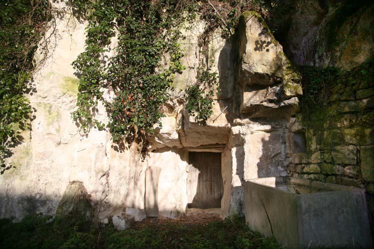 1cave_winery_door_room1