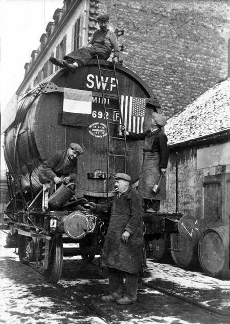 1bercy_entrepots_ils_fetent_fin_prohibition_US_decembre_1933