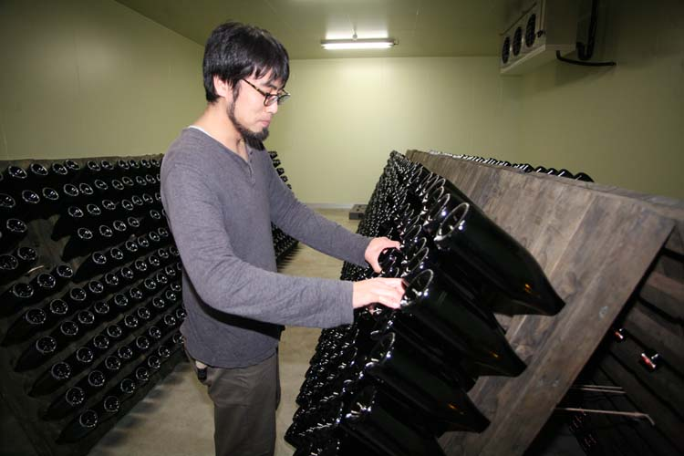 1coco_farm_winery_sparkling