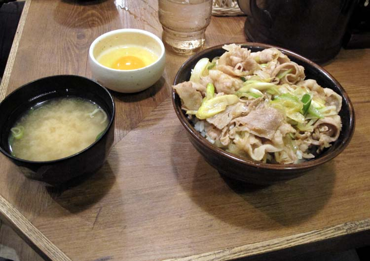 1Moto_tachinomi_Shinjuku_dish1