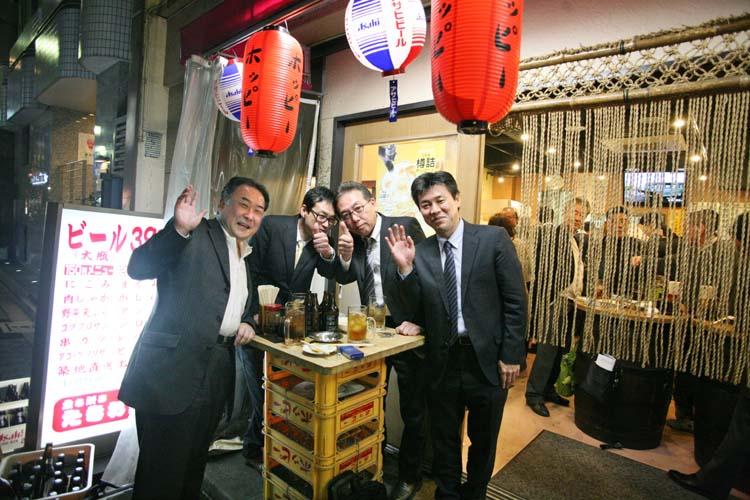 1salarymen_tachinomi_street_tokyo