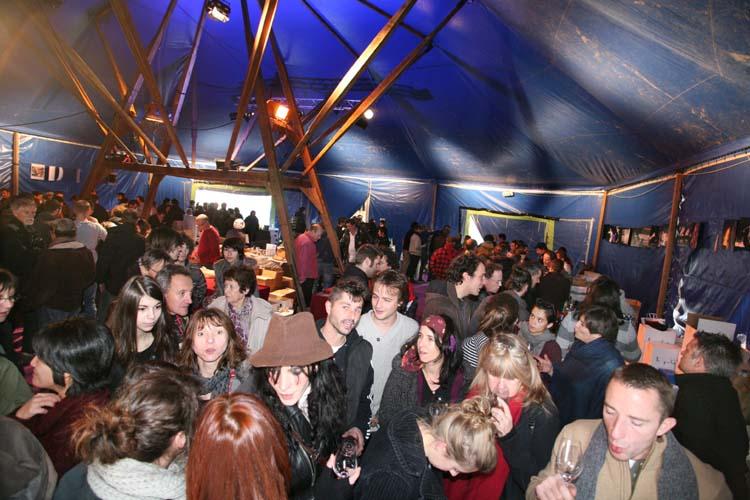 1_10vins-cochons_pierre_beauger_crowd