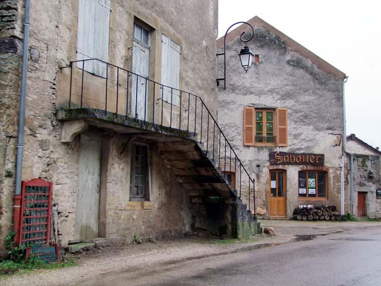 1cadette_saint-pere_escalier_maison