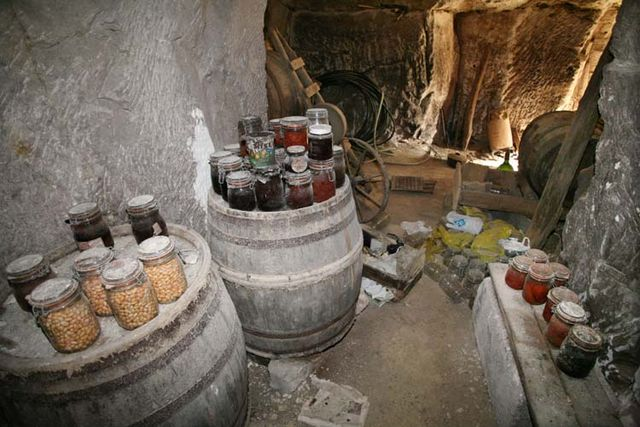 1cave_winery2_side_room_canned_vegetebles