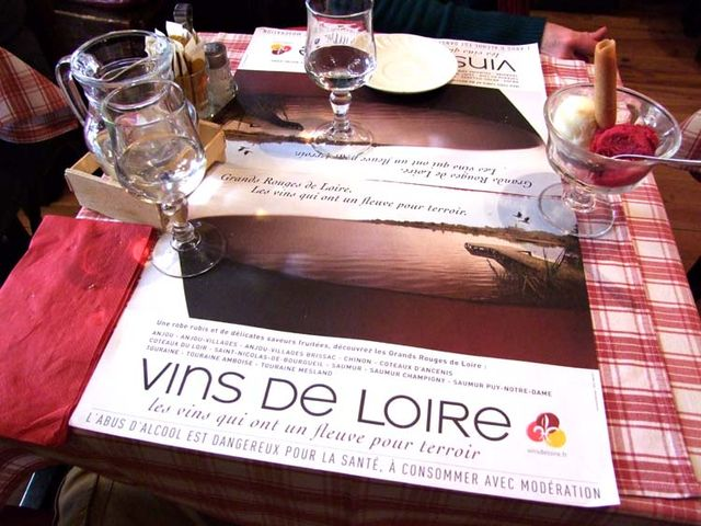 1set-de-table_vins-de-loire