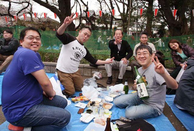 1hanami_tokyo2013_small_party_ueno