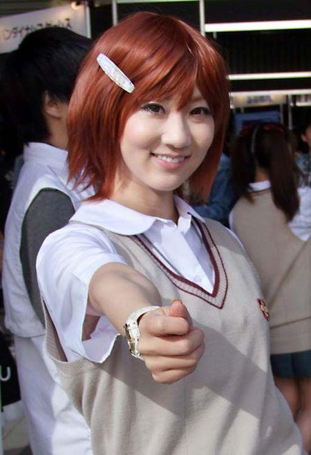 1akihabara_tokyo_red_hair_girl