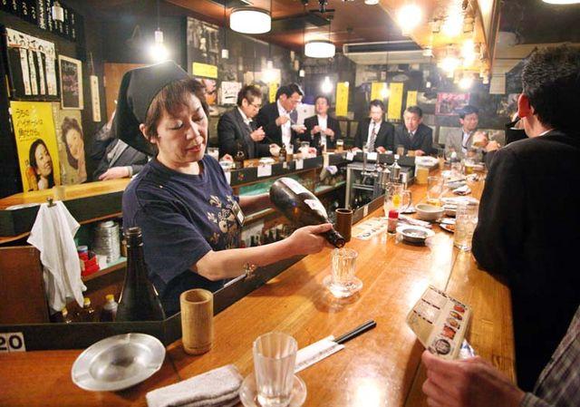1Akihabara_tachinomi_standing_bar_Tokyo