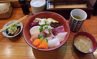 1hamashige_restaurant_tsukiji_lunch950Y