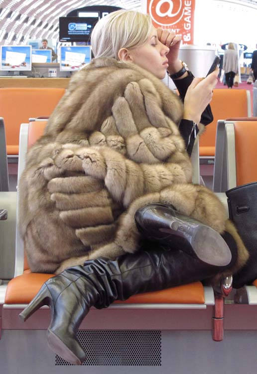 1russian_woman_airport