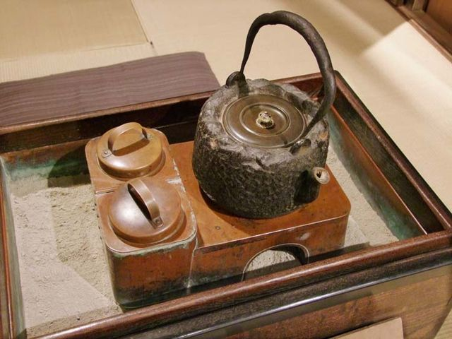 1shitamachi_museum_sake_tea_kettle_oven