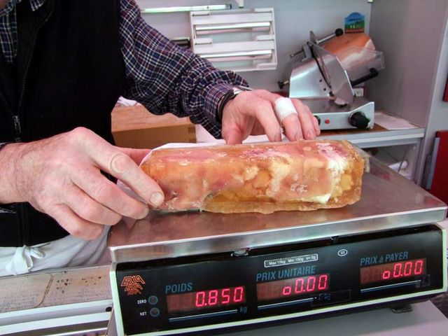 1pork_feet_scale