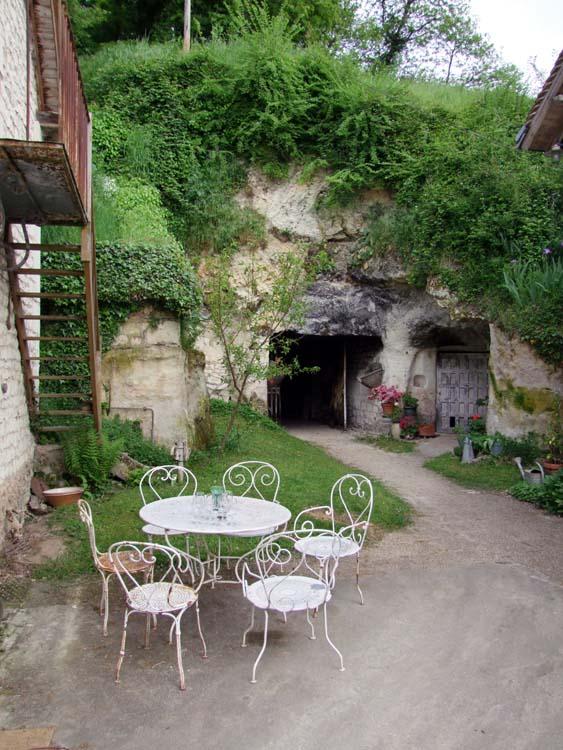 1CRB_cellar_cave_hill_door