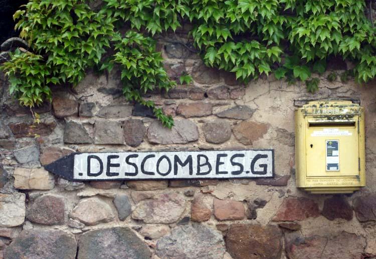 1descombes_georges_sign
