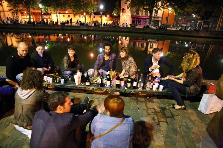 1paris_picnic_canal_st_martin_quai_de_jemmapes_aperitif