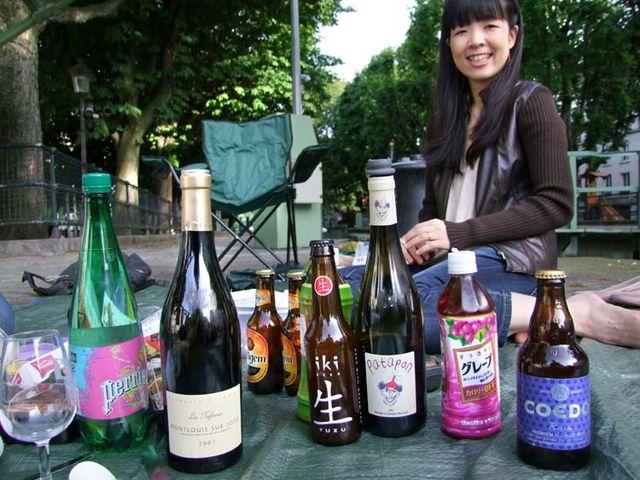 1canal_st_martin_junko_picnic_bottles