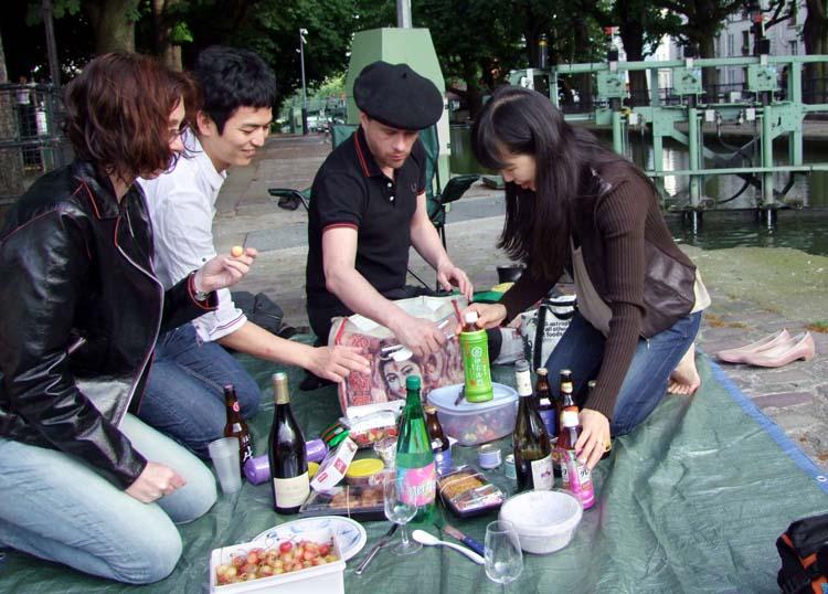 1canal_st_martin_unpacking_picnic