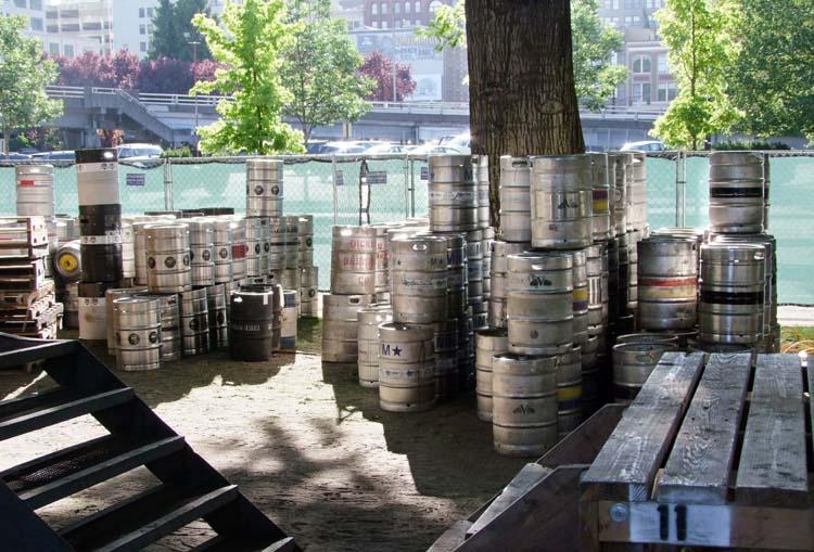 1portland_beer_festival_kegs